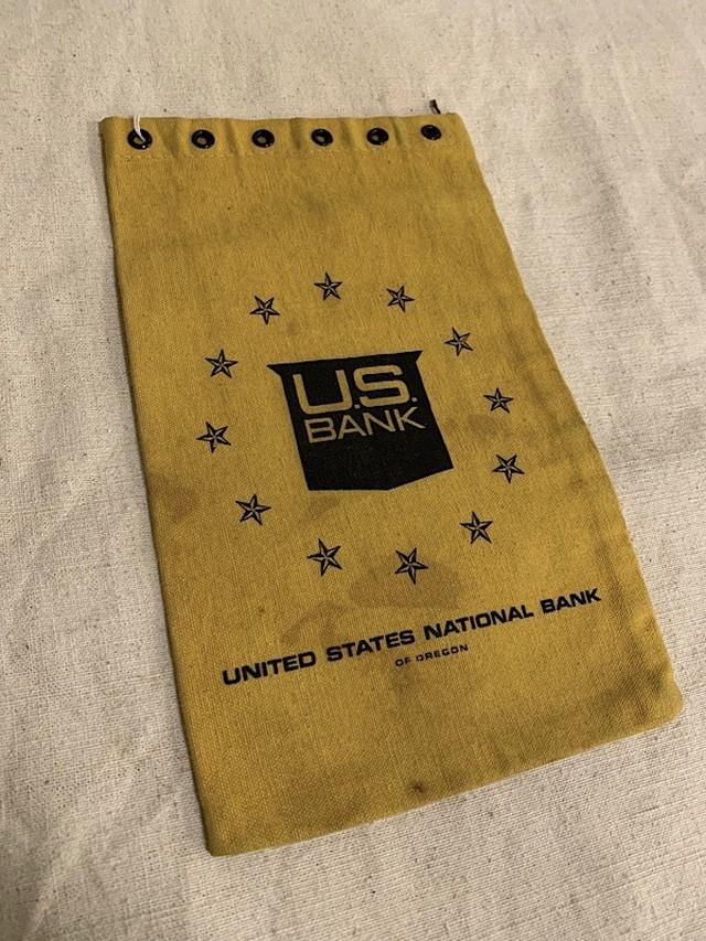 "BANK BAG "" UNITED STATES NATIONAL BANK """