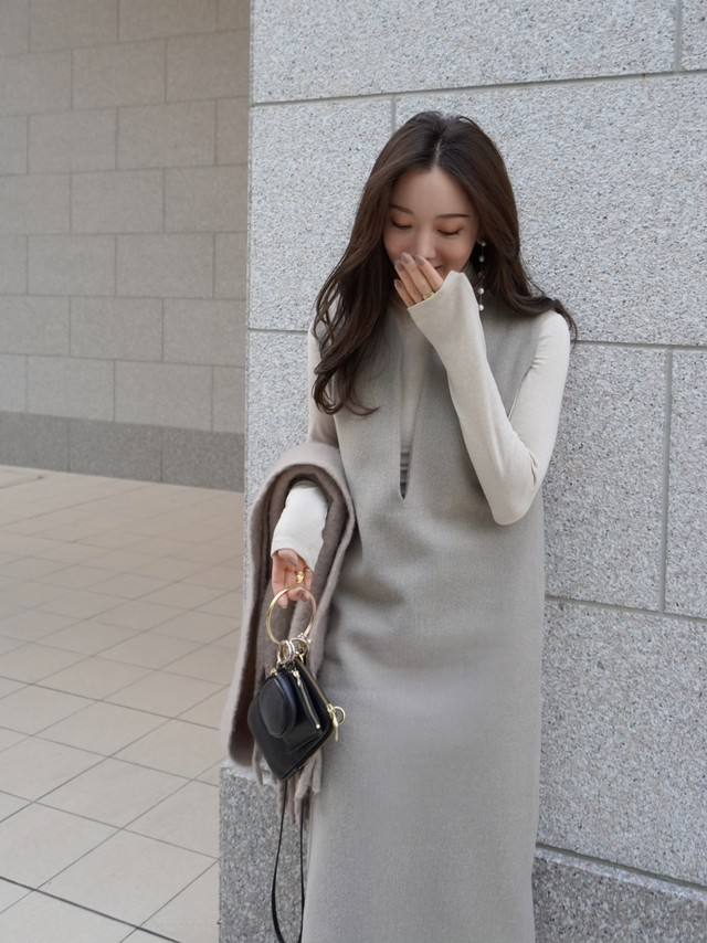 turtle neck knit / beige (即納)
