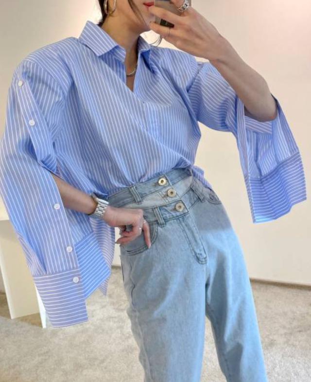 3-Button Wide Denim Jeans