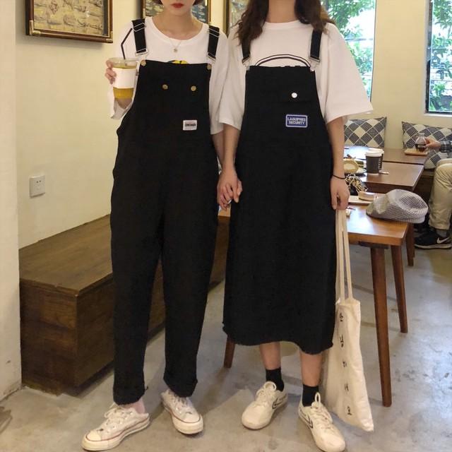 オーバーオールパンツとオーバーオールスカートの2種類