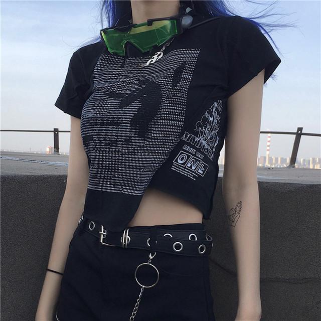 【大魔王シリーズ】★Tシャツ★ 2color トップス セクシー ミニ丈 不規則 半袖 ブラック ホワイト 黒 白