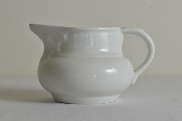 19世紀後期~20世紀初期 ポーセリン製 ピッチャー 白