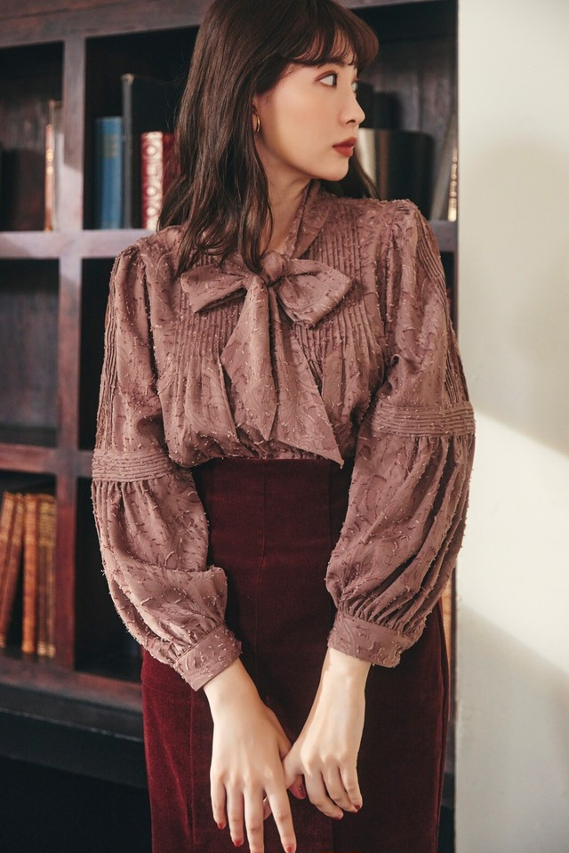 Bow-Tie Lace Trimming Blouse