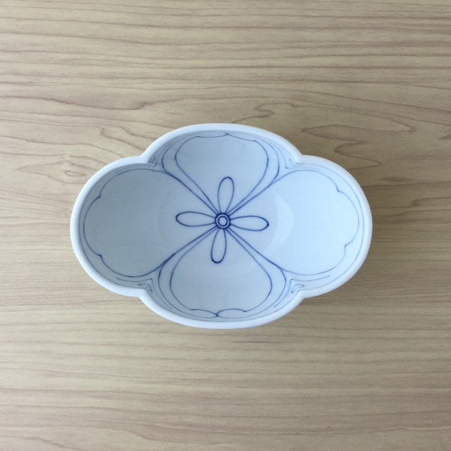 【三川内焼】染付花紋外剣菱 木甲型小鉢