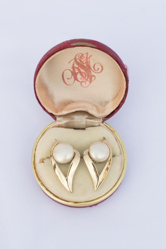 【Run Rabbit Run Vintage】Pearl & gold pierce