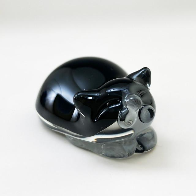 ネコのペンレスト(白黒ハチワレ)