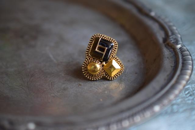 アンティーク絵画の額縁ring