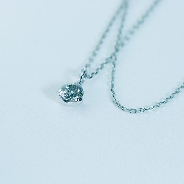 3点留めダイヤモンドペンダントPt900
