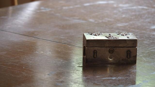 ミッドセンチュリー 金属製箱 ブルターニュ公国紋章