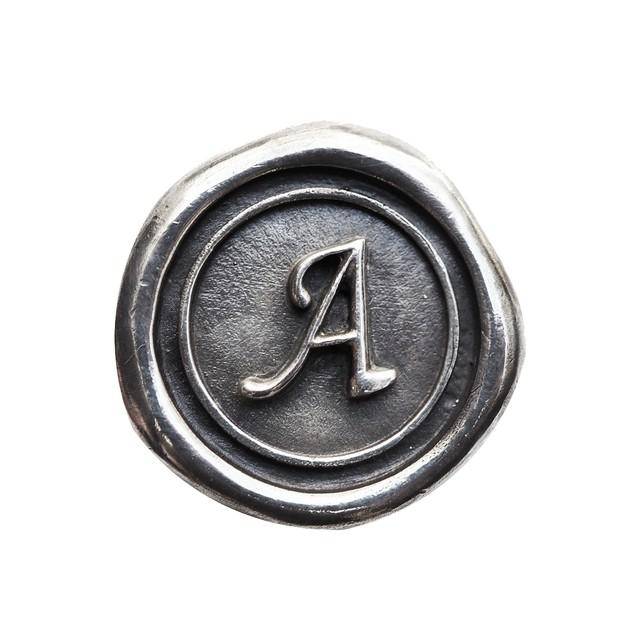 シーリングイニシャル S 〈A〉 シルバー / コンチョボタン