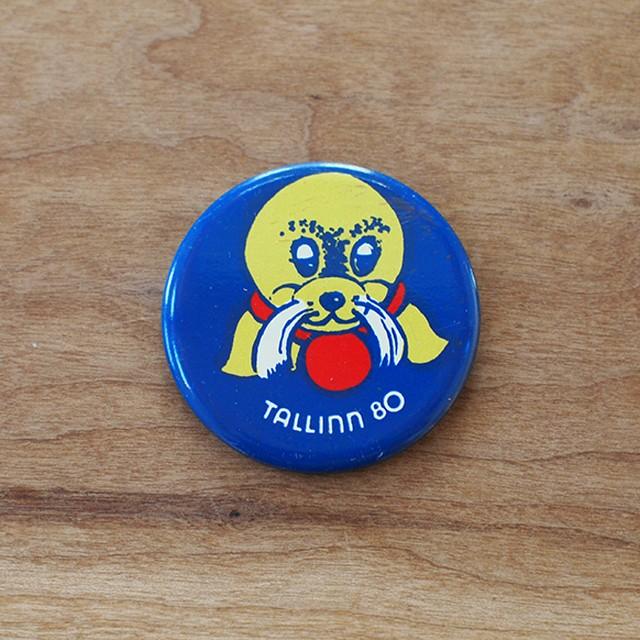 【ロシア】 あざらしのヴィグリ 缶バッチ (No.9) ヴィンテージ エストニア タリン オリンピック