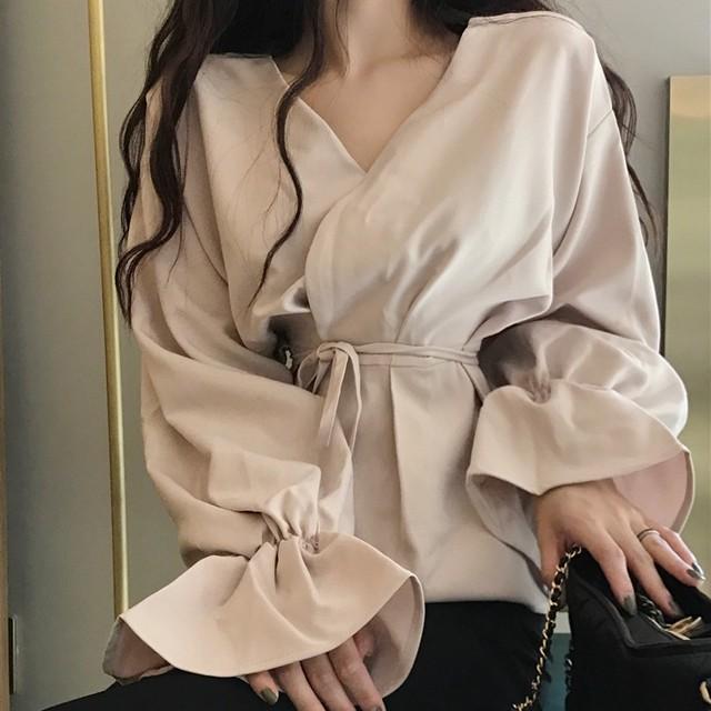 【トップス】ファッションスピーカースリーブVネックシャツ26660382