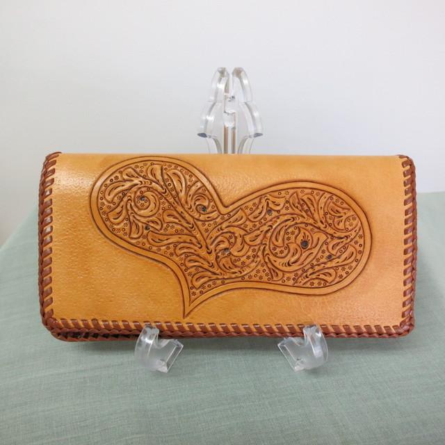 ココロ踊るハートの長財布