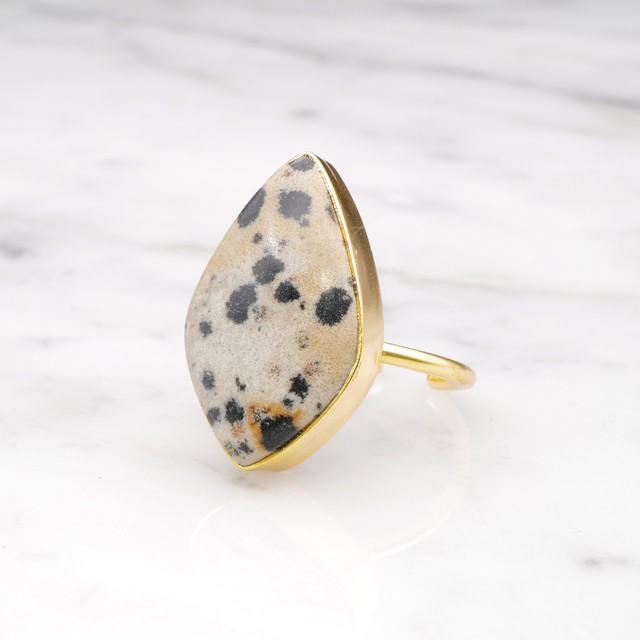 SINGLE BIG STONE RING GOLD 072