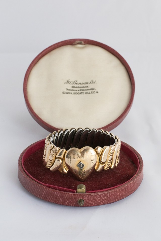 【Run Rabbit Run Vintage】Sweet heart bracelet