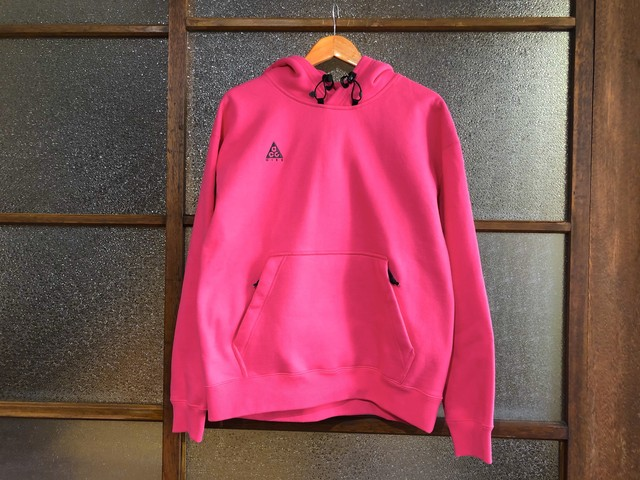 NIKE NRG ACG PULLOVER HOODIE (RUSH PINK/ANTHRACITE)