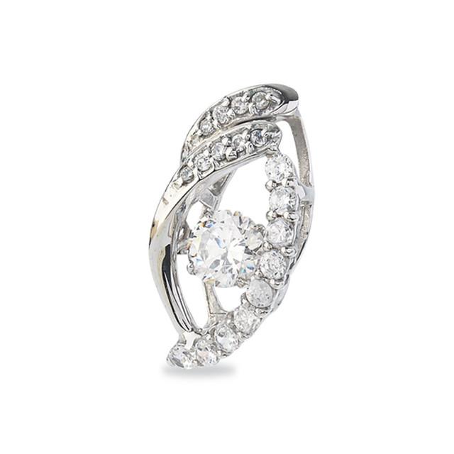 11:揺れるダイヤモンドペンダント0.2ct