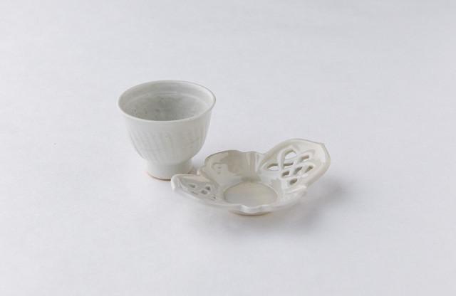 豊増一雄 白瓷茶托(メビウス)