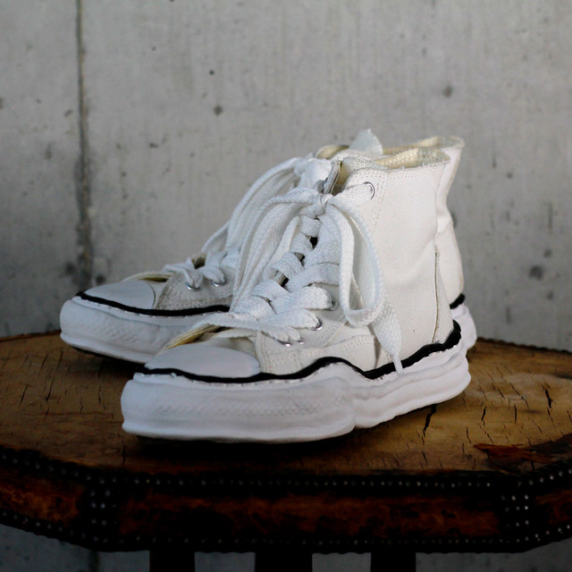 Canvas Hi Cut Sneaker / A01FW701