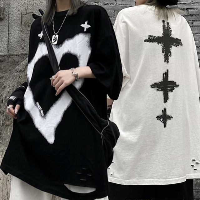 ユニセックス ダメージ加工 Tシャツ ハート クロス 半袖 ラウンドネック オーバーサイズ 韓国ファッション レディース 大きめ カジュアル ストリートファッション / Love Print All Match In Retro Hall T-shirt (DTC-643334954197)