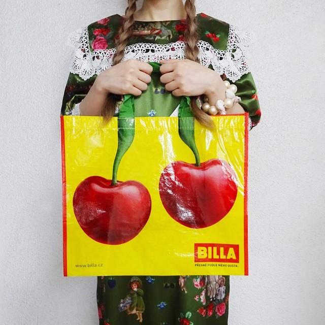 チェコ チェリーモチーフのショッピングバッグ