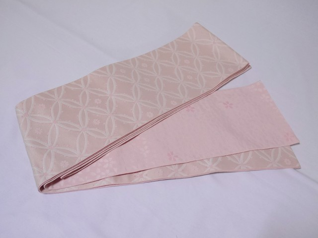 【mo-24】 リバーシブル半幅帯 淡いピンク地に七宝柄 ピンク地に桜柄