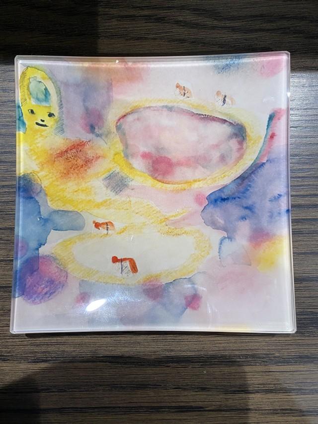 田中拓馬デザイン回転寿司猫ウサギ、アート・ガラスプレート限定10枚