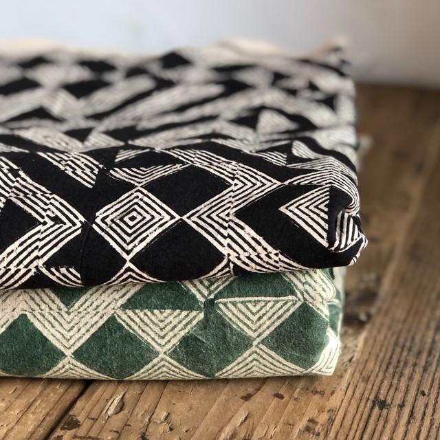 インドの布 《都市の成り立ち / 緑 / クラシックコットン》ブロックプリント / Mula:working clothオリジナル