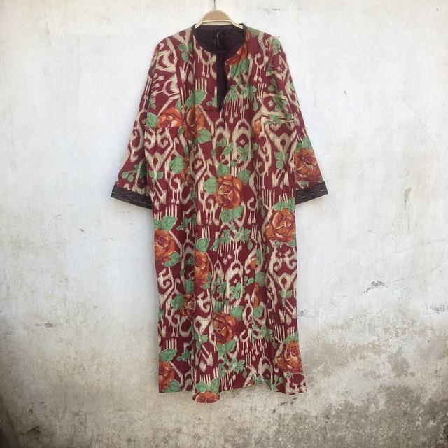 Vintage タジキスタンの花柄ワンピース
