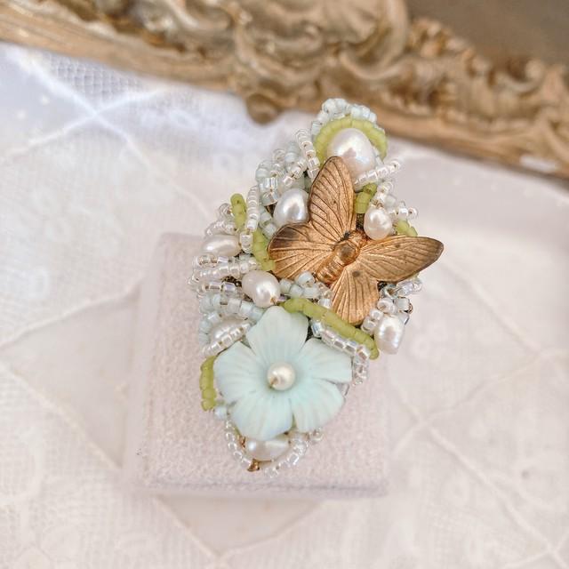 フランス パールと花と蝶の指輪