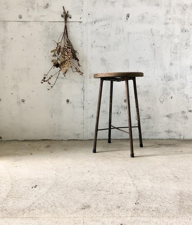 古材×サビ脚のスツール[古家具]