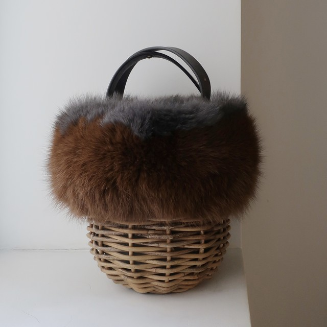 [Fur-Shoulder-Basket / Gururi]  #Brown×Gray