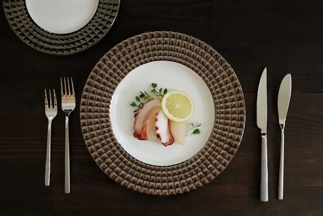 『 ブラックダイヤラスター ディナー皿27.5㎝ 』 料理人オススメのうつわ