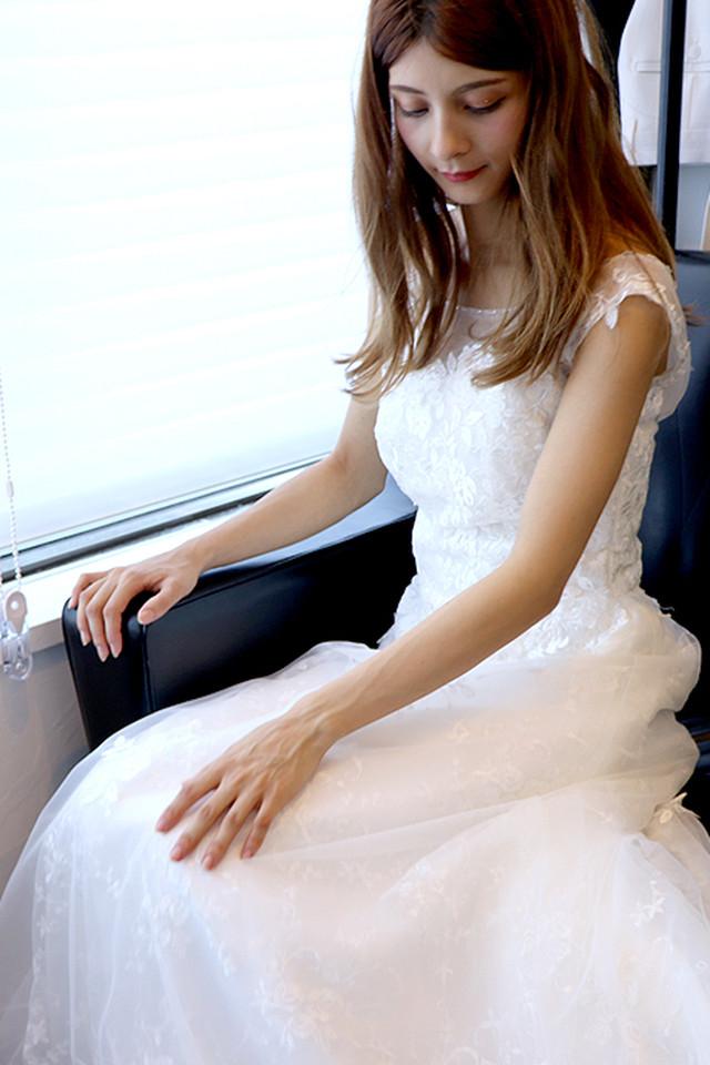 ガーデンウェディングにもおすすめ!清楚で可憐な花嫁エンパイア ドレス(結婚式 2次会 ウェディング 写真  new20180603)