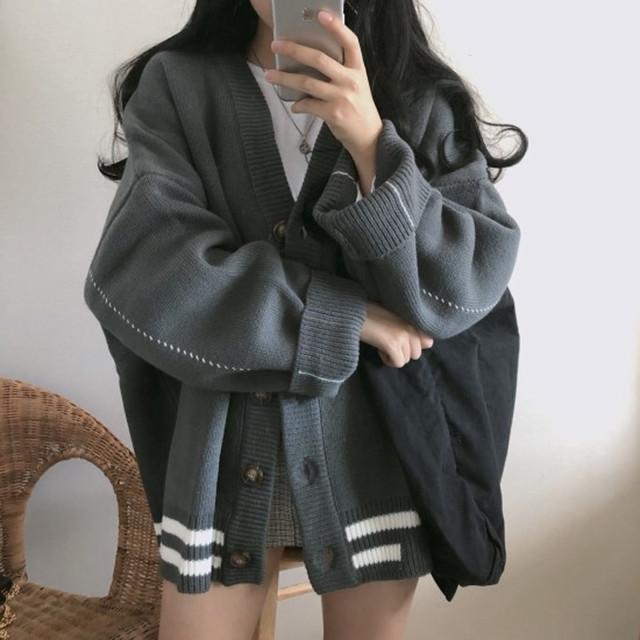 レディース カーディガン ニットカーディガン グレー ニットカーデ ストライプ ライン レトロ 大人カジュアル 韓国 韓国ファッション / Loose wool knit cardigan coat gray (DTC-600873126331_gr)