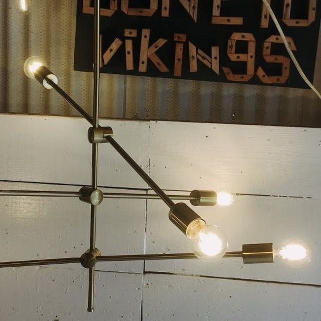 TOPANGA Lighting バランスシャンデリア アンティークゴールド