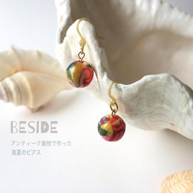 【KIMONO】アンティーク着物玉の艶々ピアス