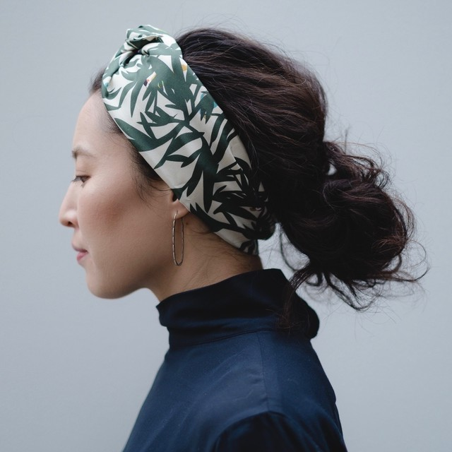 Silk ''Peekaboo' ヘッドスカーフ/ミニスカーフ