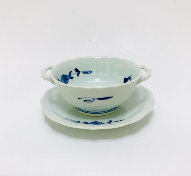 【青花】 すこし小さめのパイプ異人耳付スープ碗皿