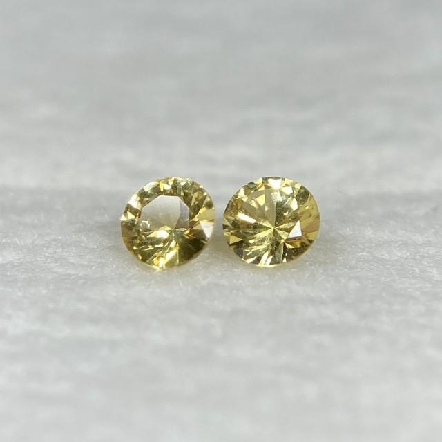 丸いサファイア 黄色系 約3.0*1.8-1.9mm r-0280