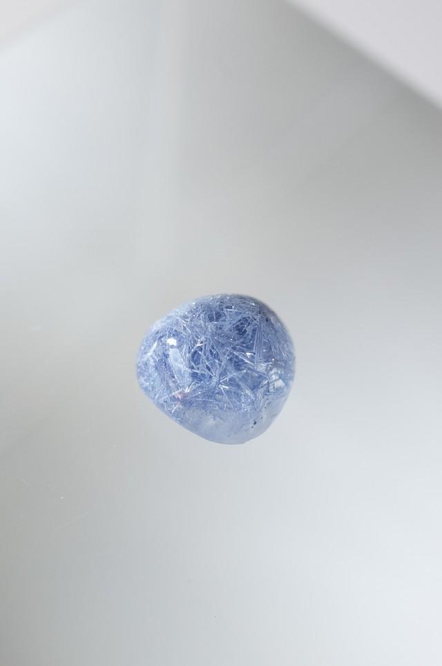 Dumortierite in quartz - 039