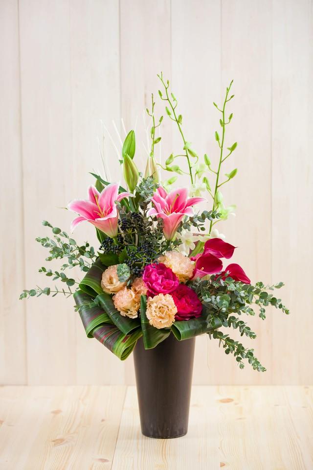 NEW【お祝い】花束と花器のセット-オレンジ&レッド系花束と花器ネーゼヴェンティ-