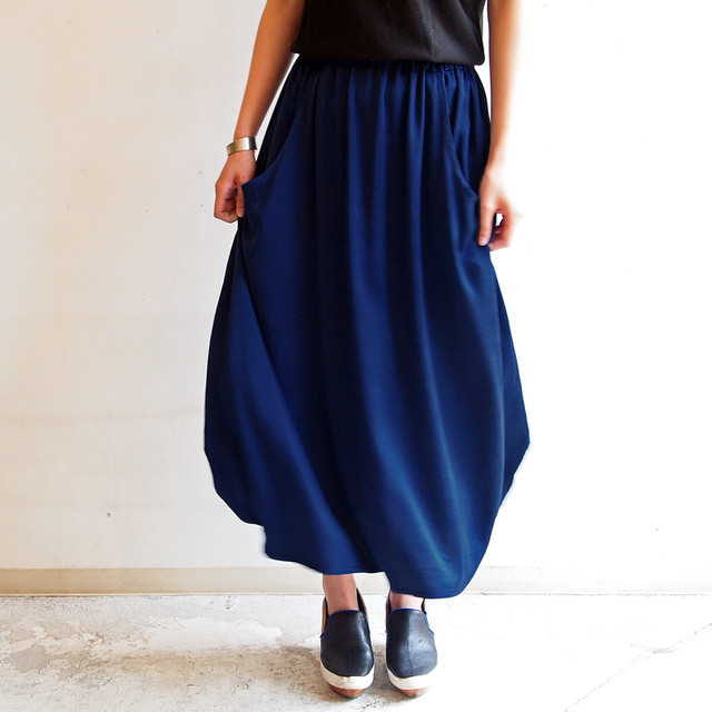 ■シルクサテンのサークルスカート/青藍色