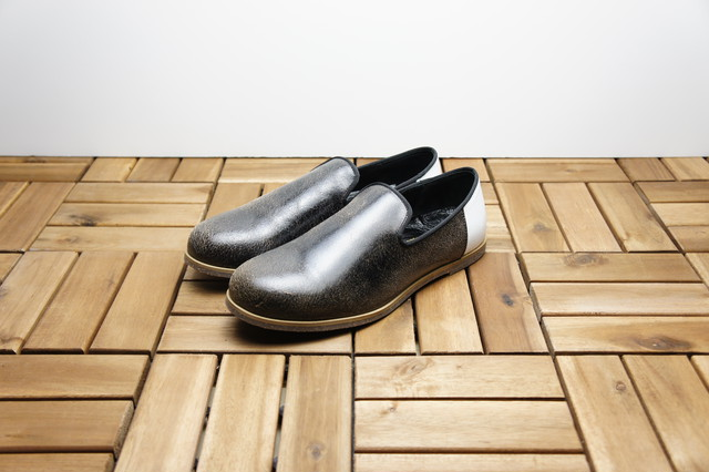 SLIP-ON SHOES (CRACKING)