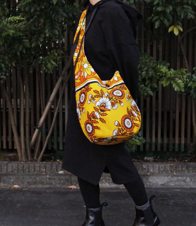 カンガのショルダーバッグ|大きめ / アフリカ布バッグ / アフリカンプリント