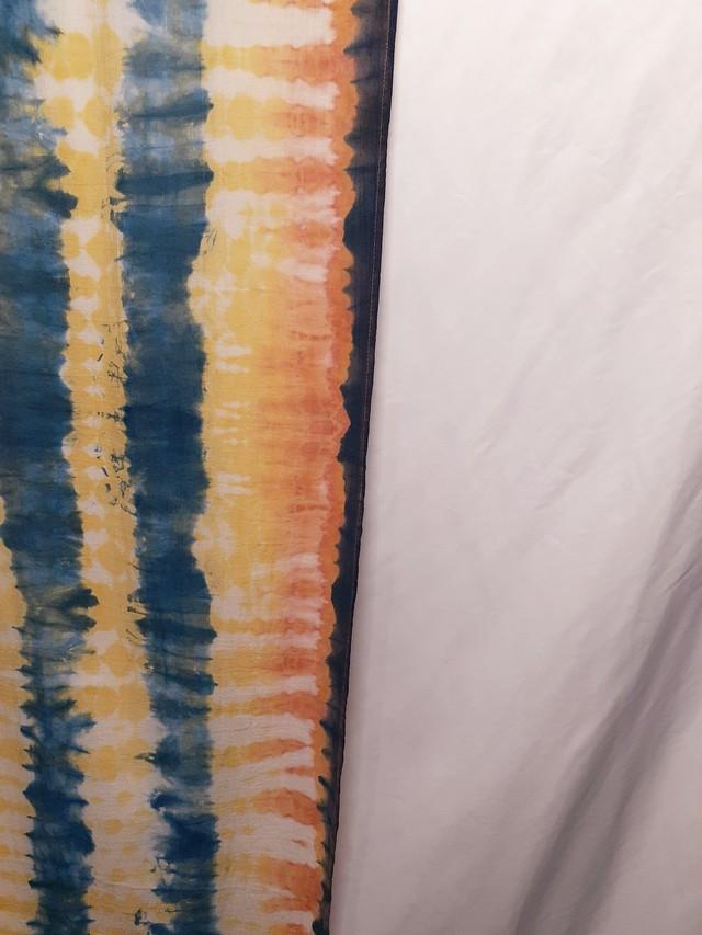 手染めのコットンストール(藍染×ベンガラ染め)