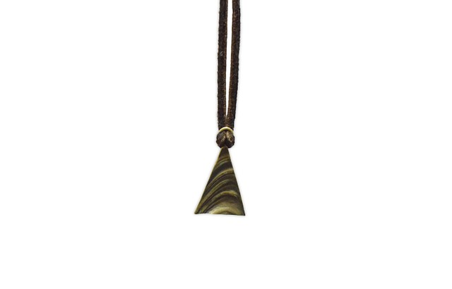 Natural triangle Pendant <Brass>