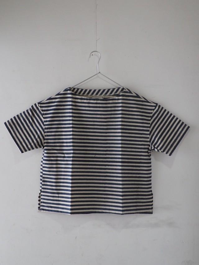 237g018 boat neck Tshirts