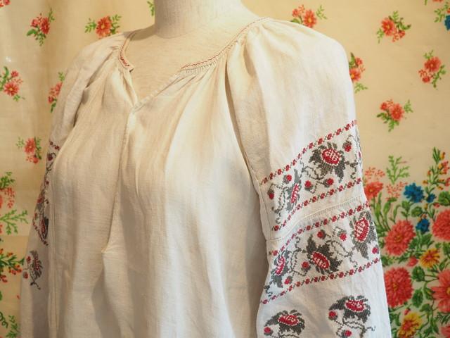 ウクライナ 刺繍入りヴィンテージワンピースNo.150720-005