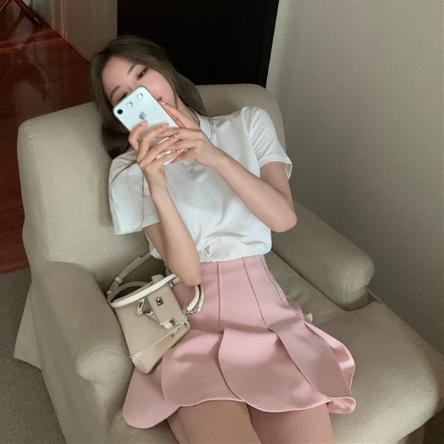 2020SS フラワーモチーフスカート+シンプルTシャツ